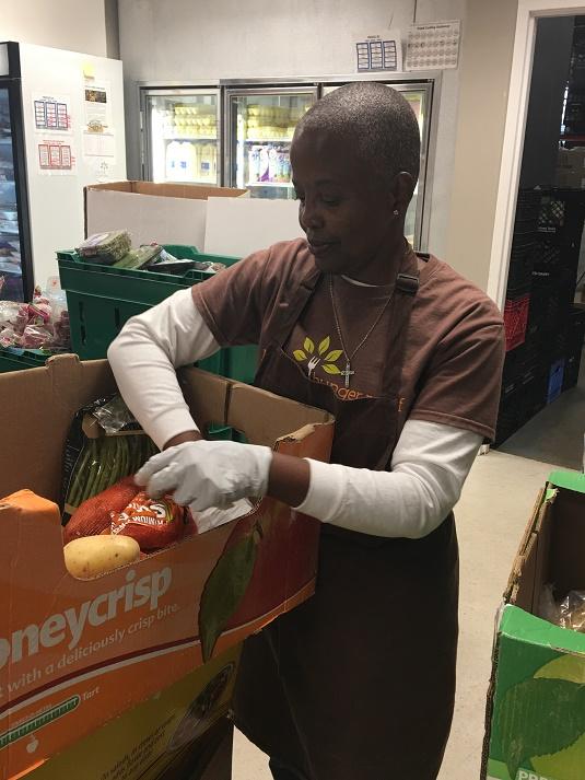 Loudoun Hunger Relief Volunteer